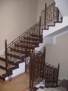 художественная ковка- лестница-фото
