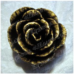 Розы кованые и патинированные