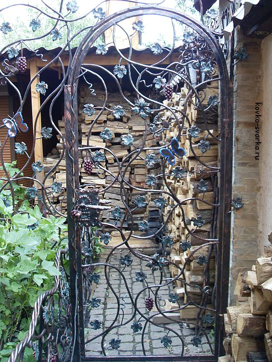 Калитка- решетчатая дверь