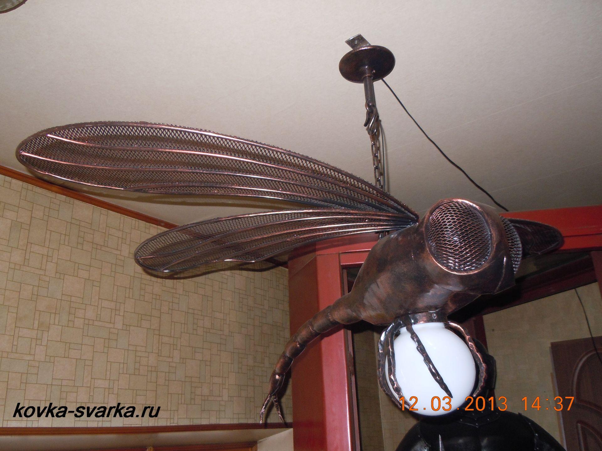 Фото кованой стрекозы