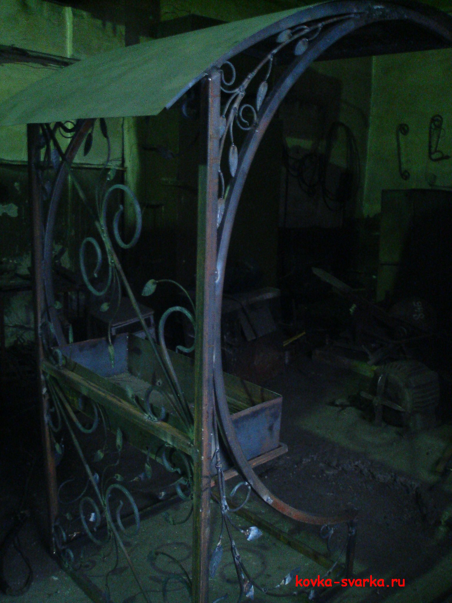 мангал, ковка и сварка, с крышей, стационарный