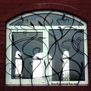 kovka-reshetka-na-okno-3