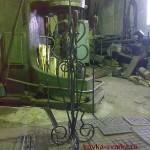 печной (каминый) набор, на фоне кузнечного молота