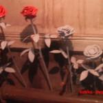 пока розы не покрашены, можно увидеть, что они действительно из металла