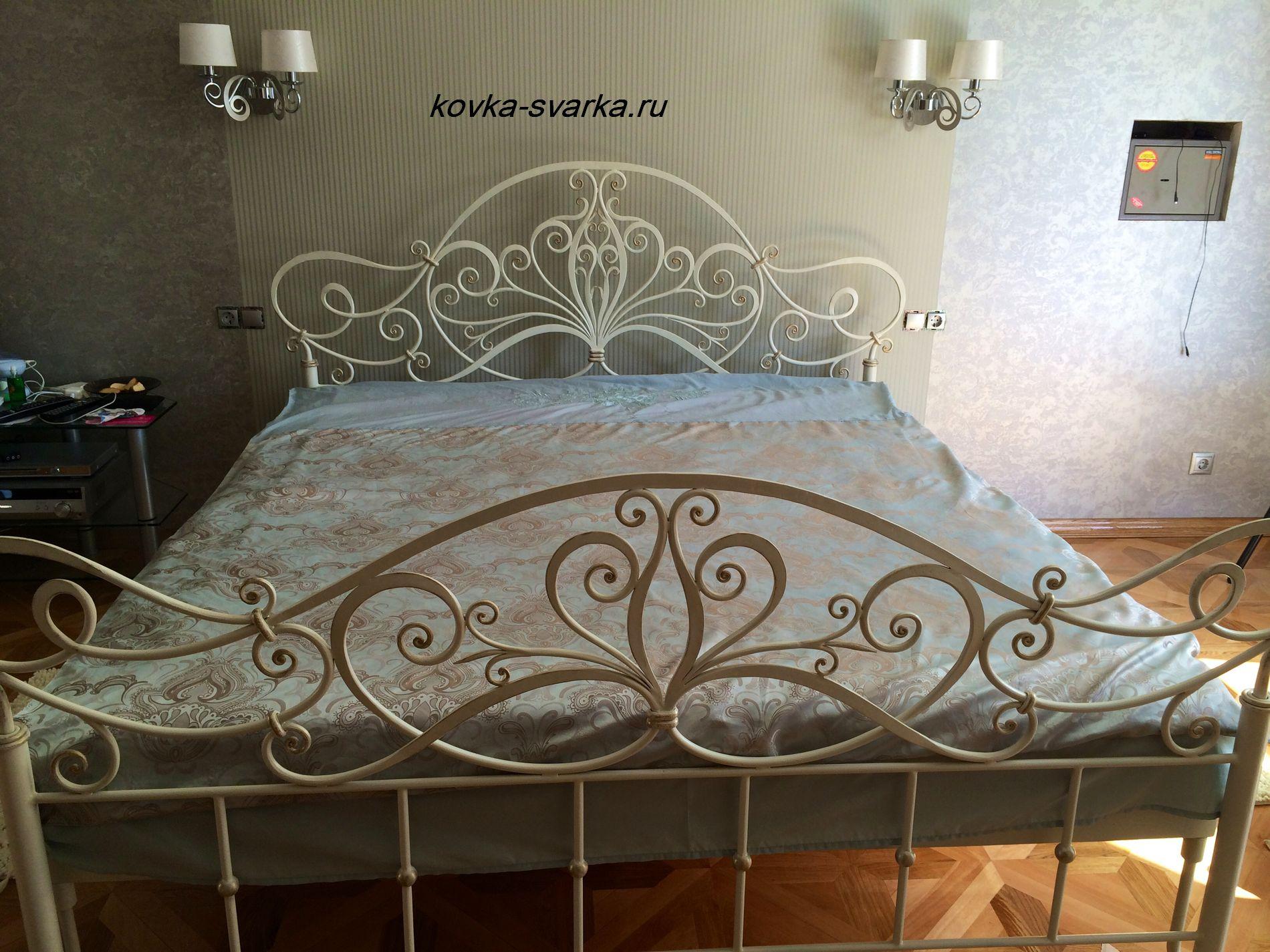Фото кованой кровати