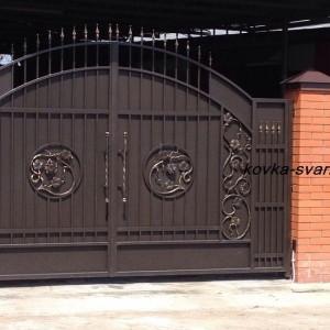 Фото кованых ворот с калиткой