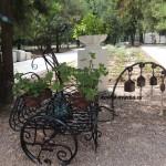 Фото кованой цветочницы