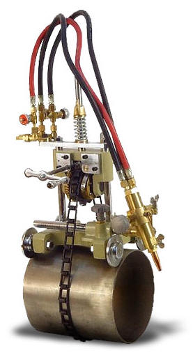 Переносная машина газовой резки труб «CG2-11». Ист. http://www.mossvarka.ru/catalog/mashiny_gazovoy_rezki/.