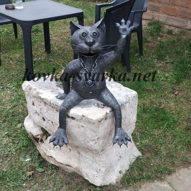 Кованая скульптура для сада Кот
