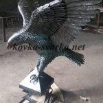 Кованая скульптура Орел