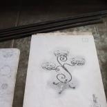 Кованая напольная цветочница на три цветка